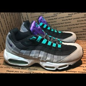 NIKE AIR MAX 95 OG GRAY 2010 Sneakers (SZ 10.5 US)